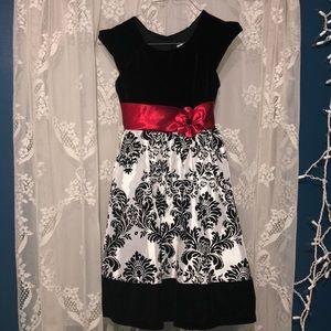 Jona Michellle black / white red formal dress sz 8